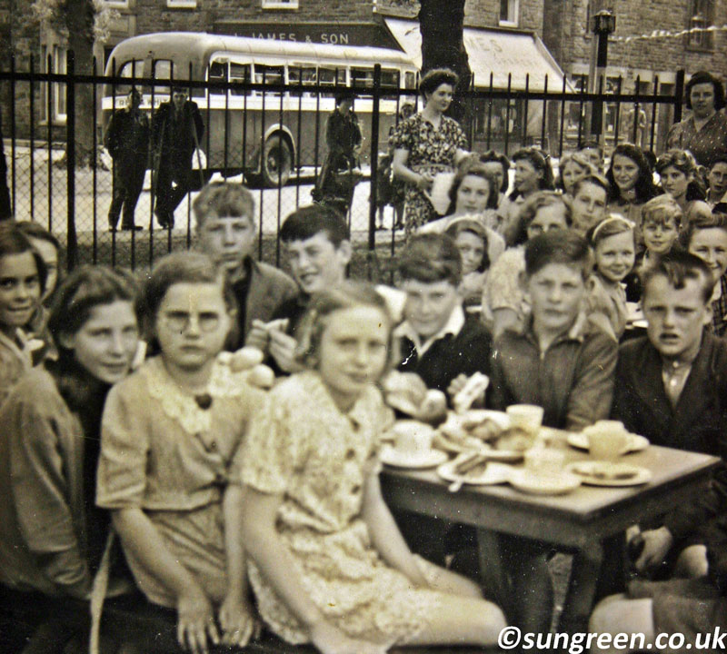A photo of Bream schoolchildren and evacuees in 1945